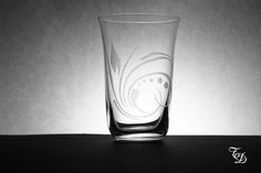 Water Glass Hand Engraved di TreDesium su Etsy