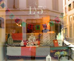 """Charming boutique """"La in Geneva Geneva, Xmas, Gift Wrapping, Charmed, Boutique, Blog, Gifts, Gift Wrapping Paper, Presents"""