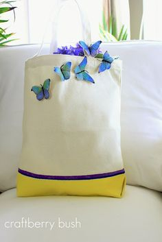Use paint & fabric to customize canvas bag! @ Lucy, Craftberry Bush