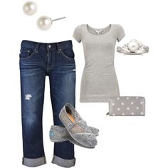 Grey, Lace, Denim, and Pearls...so simple & so pretty! Love.