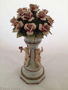Capodimonte Floral Centerpiece Figurine. - Decorative Figures & Accents