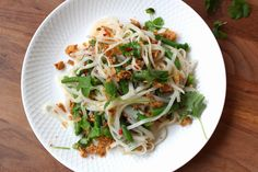 Ursnabb och urgod nudelsallad med rostbiff eller tofu