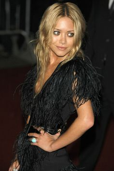 Mary-Kate Olsen looking effortless with hair & makeup Ashley Olsen, Pretty People, Beautiful People, Beautiful Women, Divas, Mary Kate Olsen, Trends, Passion For Fashion, Style Icons