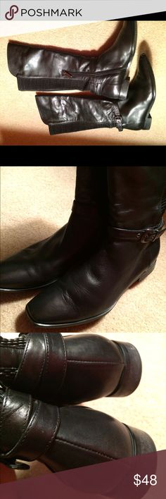 White Mountain Large Calf Boots Sz 7.5 Leather. Excellent condition. Made in Italy. Rubber Stretch. White Mountaineering Shoes Winter & Rain Boots