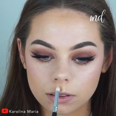 dose of colors warm and fuzzy Feel like an Autumnal goddess with this pretty & simple smokey eye look! By: Karolina Maria Fall Makeup Looks, Glam Makeup Look, Diy Makeup, Makeup Tips, Fast Makeup, Makeup Brush, Makeup Products, Black Smokey Eye Makeup, Makeup For Brown Eyes