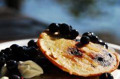 Paksut mustikkaletut (American blueberry pancakes)
