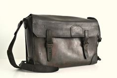 Amazing Old French embossed SNCF French bag by GuidouxVintage