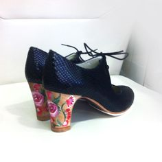 Modelo Flamenco Arty www. Flamenco Shoes, Pumps, Heels, Dance Wear, Shoe Boots, Oxford Shoes, Footwear, How To Wear, Dancing