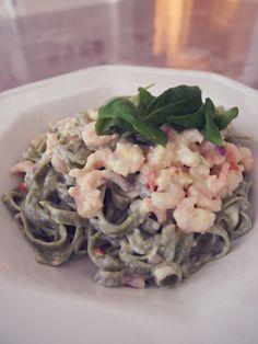 katkarapupasta | Sara Parikka Potato Salad, Chili, Dinners, Potatoes, Ethnic Recipes, Food, Dinner Parties, Chile, Food Dinners