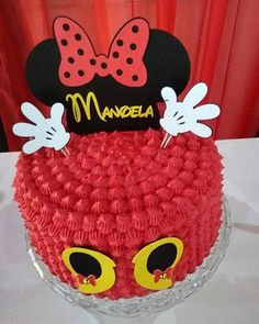 95 cute photos + step by step for a funny festa - Birthday FM : Home of Birtday Inspirations, Wishes, DIY, Music & Ideas Cupcakes Mickey, Mini Mouse Cupcakes, Mini Mouse Birthday Cake, 25th Birthday Cakes, Minnie Birthday, Torta Minnie Mouse, Bolo Mickey E Minnie, Minnie Mouse Cake Topper, Minnie Cake