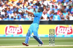 Shikhar Dhawan pulls a Morne Morkel for a boundary. Cricket Score, Live Cricket, Latest Business News, Online Business, World Cup Live, Shikhar Dhawan, Virat Kohli, Financial News, Sports Stars