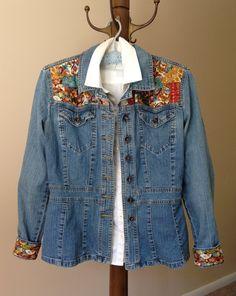 Denim Jackets, Jean Jackets, Denim Fashion, Boho Fashion, Diy Distressed Jeans, Boho Clothing, Upcycled Clothing, Printed Denim, Boho Style