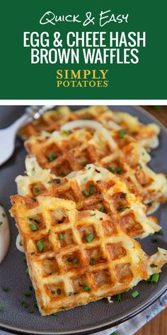 An all-in-one breakfast hack. Whip out your waffle maker and crisp up some easy-cheesy golden brown potato delights thatll leave you wondering why you never thought of it before. - Waffle Maker - Ideas of Waffle Maker Sandwich Maker Recipes, Breakfast Sandwich Maker, Waffle Maker Recipes, Breakfast Waffles, Breakfast Dishes, Breakfast Recipes, Eggs In Waffle Maker, Breakfast Ideas, Waffle Waffle