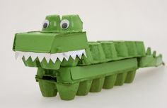 egg carton craft for kids egg carton crocodile Kids Crafts, Toddler Crafts, Projects For Kids, Diy For Kids, Craft Projects, Craft Ideas, Play Ideas, Art Crocodile, Egg Box Craft