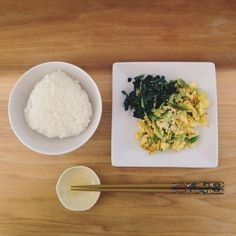 brunch: rice . daikon/kabu leaves w/ b+w sesame seeds . scrambled eggs w/ fresh green onions + garlic / satsuki shibuya