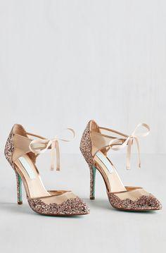 glitter pumps//