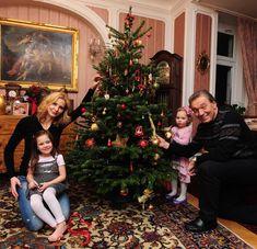 Rodinná fotka Gottovi By: Karel Gott Gott Karel, Festival Decorations, It Cast, Christmas Tree, Celebrity, Retro, Holiday Decor, Party, Festive