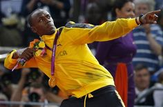Usain Bolt: Olympic Gold Medalist, Track and Field, Jamaica Carl Lewis, Michael Phelps, Usain Bolt Pose, Nfl, 2012 Summer Olympics, Fastest Man, Olympic Athletes, Triomphe, World Records