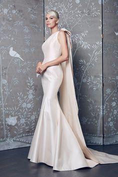 1b5f97ee8568 Legends Fall 2018 Wedding Collection by Romona Keveza Abiti Da Sposa Blu