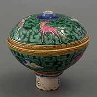 ceramic opium bowl with four colour glaze and signature on the stem, China, 1820-1880