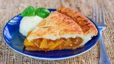 Perfect Peach Pie – my favorite summer pie with my favorite fruit! Learn how to make your own flaky pie crust. Summer Pie, Jo Cooks, American Desserts, Dessert Tray, Perfect Peach, Fruit Pie, Sweet Pie, Toasted Almonds, Strudel