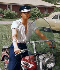 Elvis and his Harley at his home on Audubon Dr. Rock And Roll, Harley Davidson, Are You Lonesome Tonight, Tupelo Mississippi, Young Elvis, Elvis Presley Photos, Lisa Marie Presley, Thats The Way, Graceland