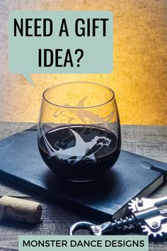 Hammerhead Shark glassware by Monster Dance Designs. Bar Geek, Cocktails On The Rocks, Engraved Glassware, Personalized Beer Glasses, Cocktail Glassware, Wedding Toasting Glasses, Hammerhead Shark, Whiskey Glasses, Wine Parties