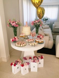 30 Trendy Ideas for diy wedding reception tables simple Mom Birthday, Birthday Parties, Snacks Für Party, Spa Party, Birthday Party Decorations, Holidays And Events, Baby Shower Themes, Dessert Table, Party Planning