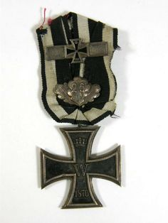 xtremely rare 1870 Iron Cross Class with Weiderholungsspange and Jubilaumsspange. This rare Iron Cross Class features the date The obverse and reverse black finish over the iron core is in overall very good/excellent condition with no serious oxidation. Uniform Insignia, Military Insignia, Military Art, Military History, Gilbert Beilschmidt, Military Awards, Military Decorations, War Medals, Grand Cross