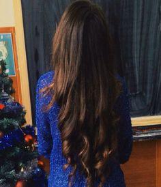 Si quieres que tu cabello se vea arreglado y con volumen, plánchalo y al momento de llegar a las puntas haz unos rulos ligeramente marcados