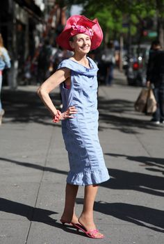 Carola Near Off Broadway boutique - Advanced Style Advanced Beauty, Advanced Style, Wedding Guest Outfit Inspiration, Broadway, Summer Outfits, Summer Dresses, Ageless Beauty, Style And Grace, Boutique