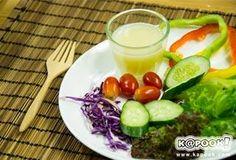 สูตรน้ำสลัดยอดนิยม จับคู่จานสลัดเพื่อสุขภาพไม่ซ้ำไม่จำเจ Salad Cream, Barbecue Sauce Recipes, Tips & Tricks, Salad Dressing, Cantaloupe, Diet Recipes, Lose Weight, Chicken, Meat
