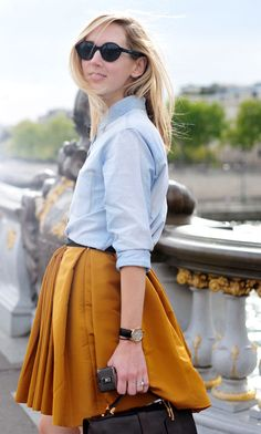 denim shirt and mustard skirt Mustard Skirt, Pont Alexandre Iii, Mellow Yellow, Mustard Yellow, Yellow Sun, Work Fashion, Paris Fashion, Street Fashion, Fashion Ideas