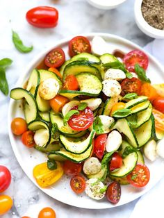 Caprese Zucchini Salad 21 Delicious Veggie Noodles To Make With Your Spiralizer Vegetable Recipes, Vegetarian Recipes, Cooking Recipes, Healthy Recipes, Healthy Salads, Healthy Eating, Veggie Bullet, Best Low Carb Recipes, Popular Recipes