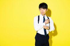 """星野源が9thシングル『恋』を10月5日にリリースした。昨年12月2日にリリースされ、大ヒットを記録した4thアルバム『YELLOW DANCER』以来となる待望のニューシングルだ。  今回のインタビューでは、その『YELLOW DANCER』で打ち立てた""""イエローミュージック""""のコンセプトから音…"""