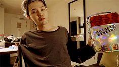 — s-tttop: Showing off his creation 🎨 Seungri, Chungking Express, Vip Bigbang, Gd And Top, Bigbang G Dragon, Creepy Pictures, Ji Yong, 2ne1, Jaebum