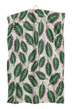 Tea towel in organic cotton fabric with a printed pattern. Hanger loop on one short side. H & M Home, Tropical, Sketch Inspiration, H&m Online, Home Collections, Cotton Linen, Cotton Fabric, Green Leaves, Trapillo