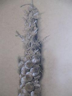 Ristra de ajos  Charcoal, pencil, white tempera