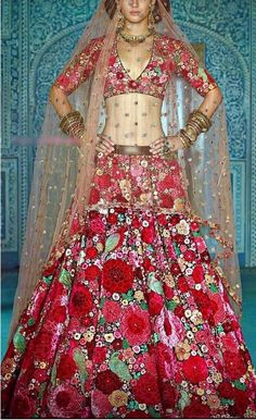 Colorful floral thread embroidered Indian wedding reception lehenga/lengha choli blouse with contras