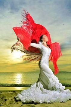 Lift your heart, raise your spirits.just dance to your inner music. Latin Dance, Dance Art, Dance Music, Ballet Dance, Spanish Dress, Spanish Dancer, Shall We Dance, Just Dance, Murcia