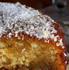 Ginger cake is common street food in Sierra Leone and this sweet treat makes for a lovely dessert too! Greek Sweets, Greek Desserts, Greek Recipes, Vegan Desserts, Delicious Desserts, Vegan Dinners, Sweets Cake, Cupcake Cakes, Cup Cakes
