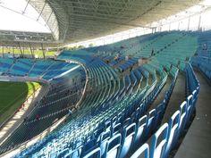 Red Bull Arena, Leipzig, Alemania. Capacidad 44.199 espectadores, Equipo local RB Leipzig. Para ser sede del Mundial del 2006, se construyó un nuevo estadio en los muros del viejo, con una capacidad actual de 44.199 espectadores inaugurado el 7 de marzo de 2004, con un costo de 96,4 millones de euros.