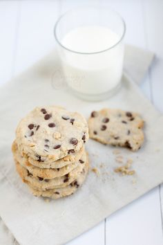 Salted Peanut and Chocolate Chip Cookies | Almond Corner