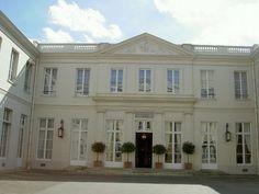 Hôtel de Bourbon-Condé (1782) 12, rue Monsieur Paris 75007. Architecte : Alexandre-Théodore Brongniart.