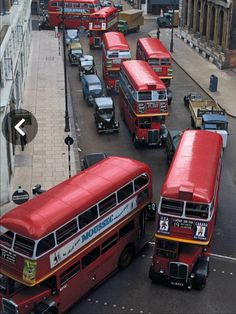 Every bus on the road means about 10 people who left the car at home London Transport, Public Transport, Rt Bus, Transport Pictures, 4x4, Routemaster, Double Decker Bus, London Pictures, Bus Coach