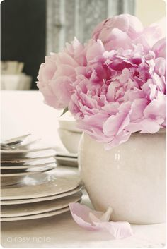 A Rosy Note: Prettying Up the Dining Room