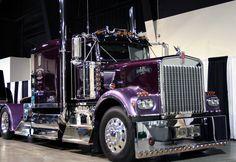 What a beautiful shade of purple*** Show Trucks, Big Rig Trucks, Old Trucks, Kenworth T800, Peterbilt Trucks, Custom Big Rigs, Custom Trucks, Ranger, Trailers
