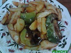 Frito de bolas con patatas Cartagenero Churros, Cucumber, Spain, Food, Gastronomia, Potatoes, Colombian Food, Balls, Cartagena
