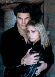 Buffy-Sarah-Michelle-Gellar-David-Boreanaz-Angel-dvdbash36