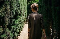 Brow linen dress in Barcelona by Ode to Sunday #odetosunday